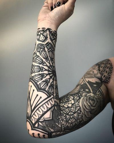 #mandala #pattern #sleeve #dotwork #blackwork #geometric #ornamental #mandalatattoo #geometrictattoo #sleevetattoo