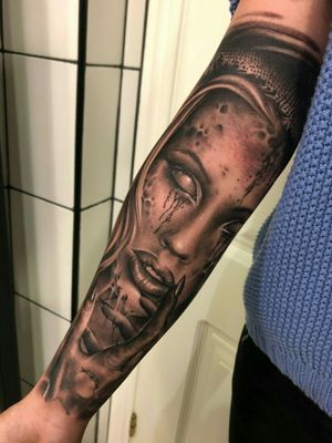 #zombietattoo #zombiegirl #blackandgreytattoo #realismo #tattooart