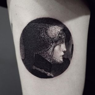 Lucien Victor painting by Cold Gray #coldgray #favoritetattoos #besttattoos #blackandgrey #realism #realistic #hyperrealism #LucianVictor #painting #fineart #portrait #lady #ladyhead #filigree #jewels