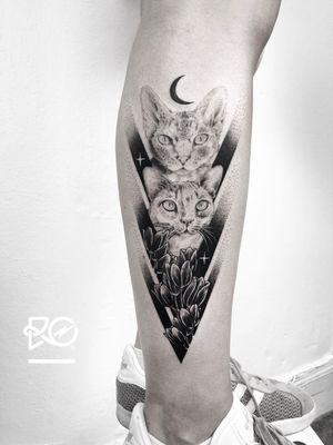By RO. Robert Pavez • Sweet Cats ➖ Studio Zoi tattoo Stockholm 🇸🇪 • 2018  • #engraving #dotwork #etching #dot #linework #geometric #ro #blackwork #blackworktattoo #blackandgrey #black #tattoo #fineline