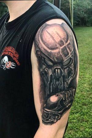 Alien vs Predator piece I started. 💀 #alien #alienvspredator #realism #Black #blackandgreytattoo #tattooartist
