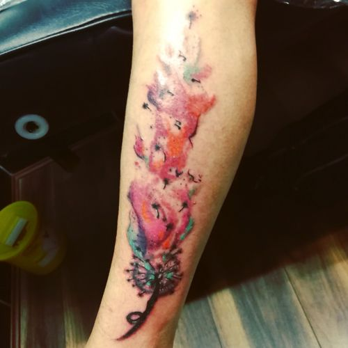 #dandeliontattoo #dandelions #dandelion #watercolourart #watercolour #watercolourtattoo#colourfultattoo #tattoos #tattooartist #bristol#bristolartist #staplehill#studio#carlanorley