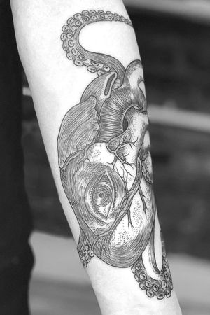 #psychadelic #etching #blackwork #linework #anatomicalheart #octopus #eye