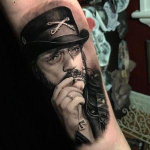 Showin' Lemmy love. Tattoo by Beny Pearce #BenyPearce #tat2beny #metaltattoos #realism #realistic #hyperrealism #portrait #Motorhead #Lemmy # LemmyKilmister #rockandroll #musictattoo #musician