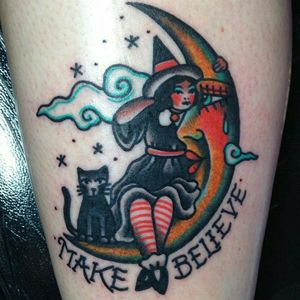 #traditionaltattoos #traditionaltattoo #traditional #moon #witchtattoo #witchtattoo #cat