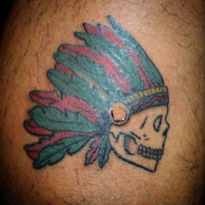 Skull ft. Headress #skull #headdress #gucci #AmericanTraditional #nativeamerican #oldschooltattoo #traditionalamerican #traditionaltattoo #apache