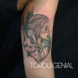#tattoo#tattooed#ink#inked#inkedgirl#tattooedgirls#daenerystargaryen#gameofthrones#gameofthronestattoo#emiliaclarke#colortattoo#colorink#fusionink#inkjecta#theneedlesfactory#tordugenial#boulognesurmer#draw#drawing#art