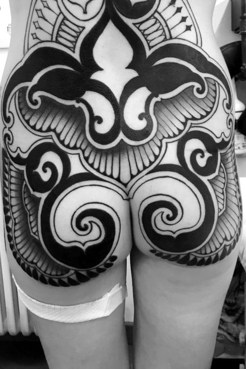 Progress on this buttocks,stay tuned to see the complete backpiece!