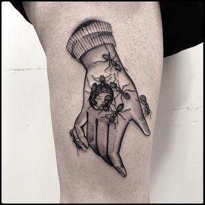 #totemica #tunguska #black #unchienandalou #luisbuñuel #salvadordalí #surrealism #tattoo #insidetattooshop #albaadriatica #teramo #italy #blacktattooart #tattoolifemagazine #tattoodo #blackworkers #blackwork