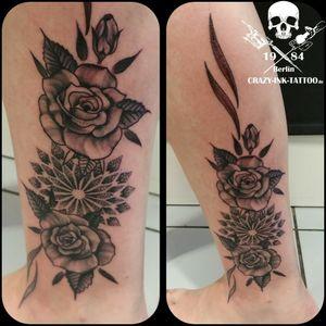 Schönen Feierabend, hier mal ein #rosetattoo ⠀⠀⠀⠀⠀⠀⠀ . Infos wie immer 017627112764 auch WhatsApp...⠀⠀ . http://crazy-ink-tattoo.de . http://facebook.com/crazy.ink.tattoo.berlin . http://instagram.com/crazy.ink.tattoo.berlin . . . . . #tattoo #tattoos #berlin #tattooberlin #berlintattoo #tattoomoabit #crazyink #crazyinkberlin #crazyinktattoo #crazyinktattooberlin #ankletattoo #nofilter #photooftheday #inked #tattooed #tattoist #tatted #fantattoo #bodyart #tatts #amazingink #berlintattooartist #berlintattooartists #classpen #worldfamousink #kwadron #dotworktattoo #blackngrey #girltattoo