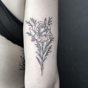 Illustrative flower tattoo by Brian Steffey #BrianSteffey #FleurNoire #Brooklyntattoo #linework #fineline #abstract #illustrative #flower #rose #floral #leaves #nature #dotwork