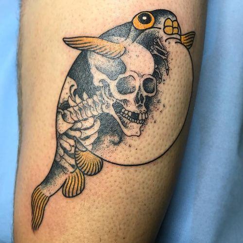 Pufferfish of Death. Tattoo by Junior #Junior #fishtattoos #color #Japanese #yokai #pufferfish #blowfish #oceanlife #fish #skeleton #skull #death #illustrative