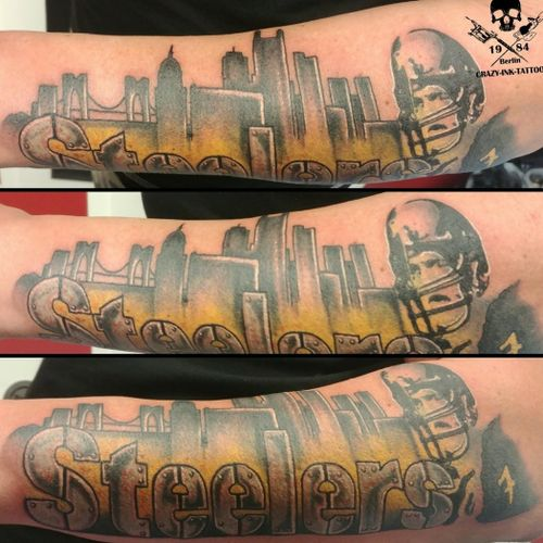Schönen Samstag, hier mal ein #footballtattoo ⠀⠀⠀⠀⠀⠀⠀ . Infos wie immer 017627112764 auch WhatsApp...⠀⠀ . http://crazy-ink-tattoo.de . http://facebook.com/crazy.ink.tattoo.berlin . http://instagram.com/crazy.ink.tattoo.berlin . . . . . #tattoo #tattoos #berlin #tattooberlin #berlintattoo #tattoomoabit #crazyink #crazyinkberlin #crazyinktattoo #crazyinktattooberlin #steelerstattoo #nofilter #photooftheday #inked #tattooed #tattoist #tatted #fantattoo #bodyart #tatts #amazingink  #berlintattooartist #berlintattooartists #classpen #worldfamousink #kwadron  #colortattoo #skylinetattoo #armsleeve