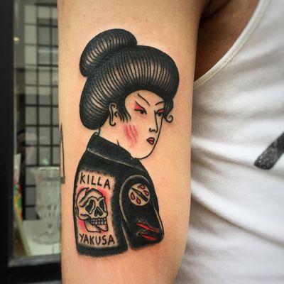 Punk Geisha tattoo by Max Newtown #MaxNewtown #mashuptattoos #mashup #traditional #Japanese #geisha #punk #lady #yakuza #skull #death #leatherjacket #switchblade #knife #blood
