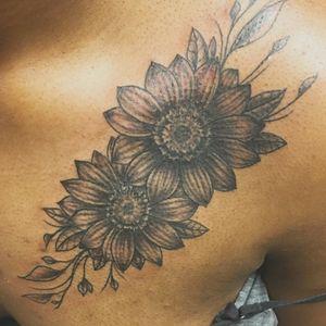 🌸🌼🌺 #flower #flowertattoo #floral #floraltattoo #blackandgrey #chesttattoo #nashville #nashvilletattoo #customtattoo #monolithtattooco #615