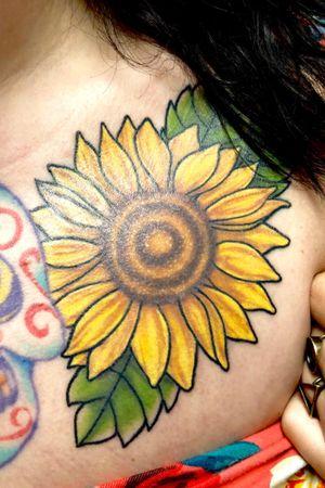 Healed sunflower 🌻🌻🌻🌻 #flowertattoo #flower #sunflower #colortattoo #chesttattoo #nashville #nashvilleartist #tattooartist #monolithtattooco