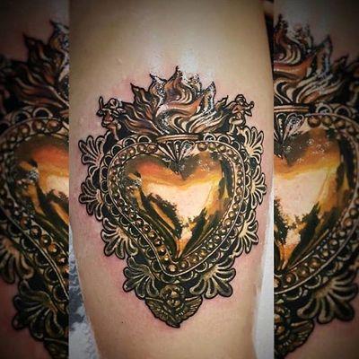 Golden heart. Tattoo by Jeliza Rose #JelizaRose #sacredhearttattoo #gold #metal #reflection #fire #angel #wings #filigree #pattern