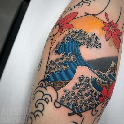⚡️Hokusai Wave ⚡️ #wave #hokusai #delightneedles #irezumism #ukiyoe #picoftheday #reclaimthedots #irezumistudy #kinghyo #babe #fashion #japan #japantattoo #dragon #babes #inkedbabes #awesome #best #curves #backpiece #tora #tattoo #tattoolife #traditional #irezumism #ink #reclaimthedots #tattoodo #art #wabori