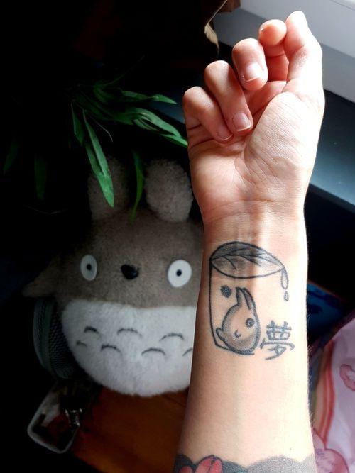 ちびトトロ Mini Totoro got a refresh  . . . #tattooart #tattoo #ghiblistudio #ghiblitattoos #Totorotattoo #minitotoro #totoro #blacktattoo #cutetattoo #girlswithtattoos #tattooedgirl #tattoedwoman #inkedgirl #wristtattoo #japanese #yume