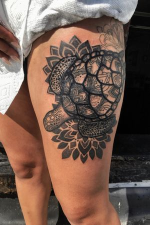 Blackwerk stippling mandala turtle thigh tattoo