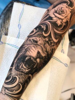 🤜🏼🤛🏼 Made with @inkjecta & @sorrymomtattoo in @ironinktattoo - Copenhagen, Denmark _____________________________________________ #ink #tattoo #realistic #realistictattoo #supportgoodtattoos #inkallday #killerink #inkmag #work #blackandgray #tattooart #artwork #design #tattoo_magazine #crazy_tattoo #look #awesome #TattooistArtMag #skinartmag #tattoorevuemag #tattoodo #sorrymom #tattoorealistic #blackandgrey #blackandgreytattoo