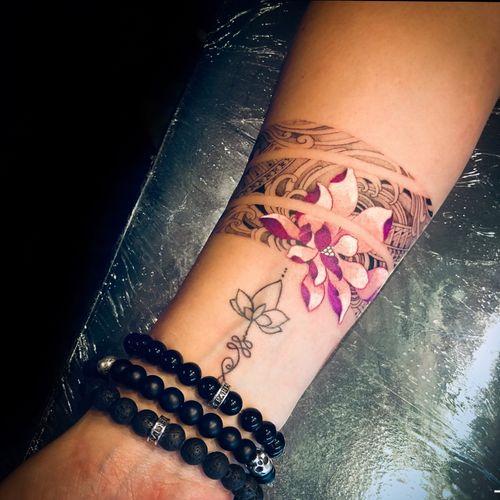Art of cut bracelet