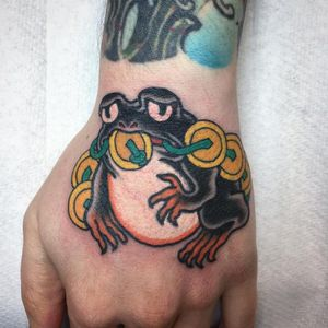Coin frog tattoo by Matt Wisdom #MattWisdom #frogtattoos #color #irezumi #Japanese #frog #amphibien #animal #nature #coin #gold #money