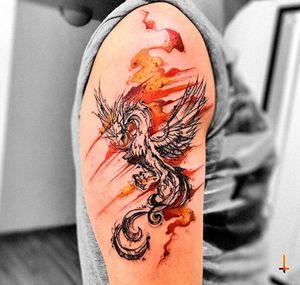 Nº667 #tattoo #tattooed #ink #inked #boyswithtattoos #phoenix #phoenixtattoo #bird #birdtattoo #rebornfromashes #fire #sketchy #sketchytattoo #freehand #sharpie #stencilstuff #eztattooing #ezcartridges #cheyennetattooequipment #dynamiccolor #dynamicink #radiantcolors #radiantink #bylazlodasilva Phoenix design based on another artist work.