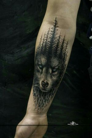 """a psychedelic take on """"a wolf and a forest"""" :) design + tattoo by Deadman."""