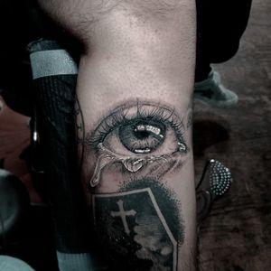 Tearing eye on Jesus