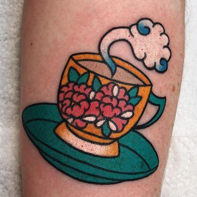 Oriental coffee love. Tattoo by Boshka Grygoriew Alvy #BoshkaGrygoriewAlvy #coffeetattoos #color #Japanese #traditional #mashup #peony #coffee #cup #cloud #steam #flowers #floral #caffeine
