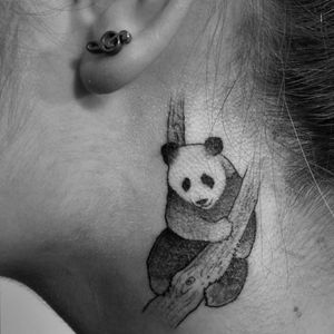 Panda lover 🐼🐼 #panda #pandatattoo #TattooGirl #tattooed #littletattoo #necktattoo #blanckandwhite #sweet #cute #iminlovewithpandas #iwantanewtattoo