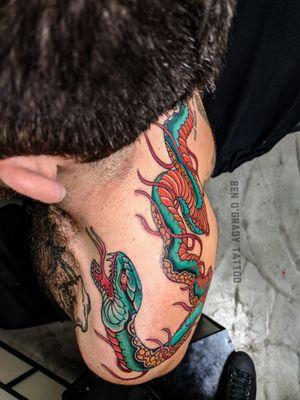 Shoulder to shoulder snake and flames tattoo. Thanks Taylor. Bookings/enquiries 📧: ogradytattoo@hush.com @stonehearttattoo ☎️ 02 8095 0100 #benogrady#benogradytattoo #benogradygallery #japanesetattoo #japanesetattoosubject #irezumi#japanesetattooart #sydneytattooartist #australiantattooartist #Darlinghursttattoo #surreyhillstattoo #australiantattooistsguild #ATG #stoneheartbodyart #stonehearttattoo #snaketattoo #hebitattoo #traditionaltattoo #tradtattoo #boldwillhold #brightandbold #neotraditionaltattoo #neotraditional