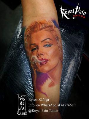 Marilyn Monroe full color tattoo ✌🏻 #byronzuñiga #guatemala #royalpaintattoo #portraittattoo #realismtattoo #realism