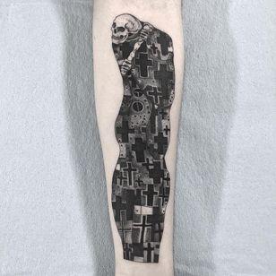 Gustav Klimt tattoo by Vanpira #Vanpira #vanpriegonova #favoritetattoos #GustavKlimt #illustrative #blackandgrey #linework #dotwork #crosses #religious #death #reaper #skeleton #skull #fineart