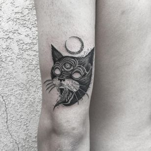 Tattoo by Marlon M Toney #MarlonMToney #favoritetattoos #illustrative #blackwork #cat #thirdeye #demon #strange #moon #animal