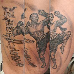 Hallo Freunde der bunten Haut, ein #muaythaifighter als #realistictattoo⠀⠀⠀⠀⠀⠀⠀ . Infos wie immer 017627112764 auch WhatsApp...⠀⠀ . http://crazy-ink-tattoo.de . http://facebook.com/crazy.ink.tattoo.berlin . http://instagram.com/crazy.ink.tattoo.berlin . . . . . #tattoo #tattoos #berlin #tattooberlin #berlintattoo #tattoomoabit #crazyink #crazyinkberlin #crazyinktattoo #crazyinktattooberlin #muaythai #photooftheday #inked #tattooed #tattoist #tatted #realistictattoo #bodyart #tatts #amazingink #berlintattooartist #berlintattooartists #classpen #worldfamousink #kwadron #blackngrey #muaythaitattoo #legtattoo