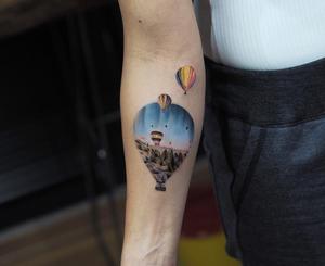 By Jefree #realistic #tattoomgallery #art #jefreenaderali #minimalist #balon #balloon #hotairballoon