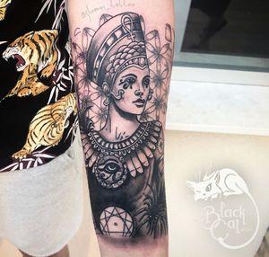 • Egyptian God • Lower half Sleeve One Session #blackcatink #Egypt #egyptiantattoo #egyptiangod #wearesorrymom #dermalizepro #worldfamousink #bishop #inkjectaflitenano #neotraditionaltattoo #neotraditional #tattoo #tattoosnob #tatuajes #tatuaje #spaintattoo #spaintattooartist #neotradsub