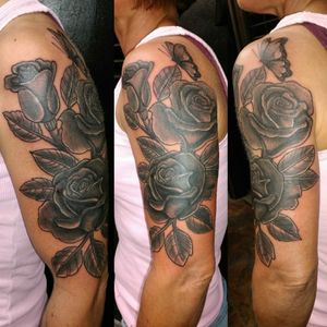 Cover up rose piece really fun one #blackandgreytattoo #blackandgrey #coveruptattoo #coverup #rosetattoo