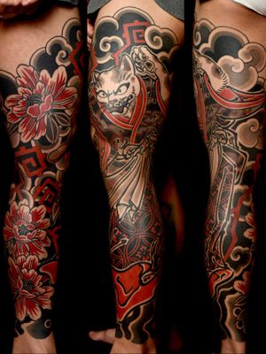 #bakeneko #botan #peony #bodysuits #backpiece #japanesetattoo #feathercloud #japanesetattoos #shanetan #tattoo #japaneseart #japanesetattooart #irezumi #wabori