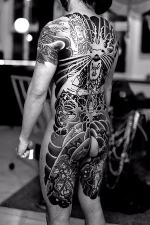 #mongaku #bodysuits #japanesetattoo #feathercloud #japanesetattoos #shanetan #tattoo #japaneseart #japanesetattooart