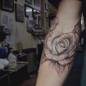 Rose #rosetattoo #tattoorose #rose #tattooartist