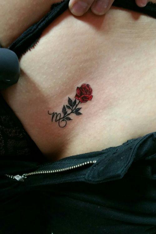 #smalltattoos #rose #scorpionsign #tattooocto #victorfrausto insta:@tattooocto