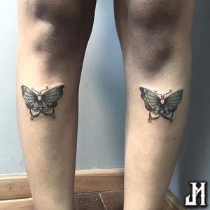 Traditional Butterflies • #tattoofeminina #tattoo #tatuagem #tatuagemfeminina #tatuagemdelicada #butterflytattoo #butterfly #borboleta #borboletatattoo #oldschool #oldschooltattoo #traditionaltattoo #blackandgreytattoo #blackandgrey #pretoecinza #tradicionaltattoo #tradicional
