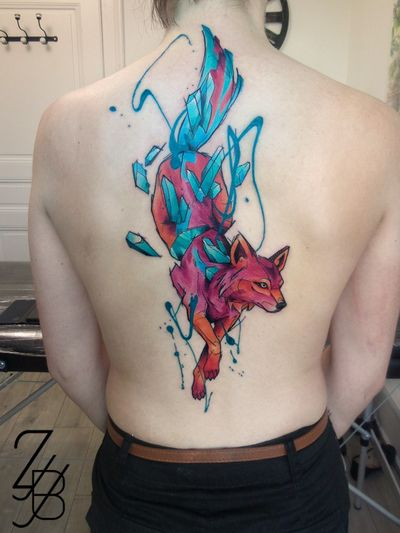 Et voilà la photo du loup ! #loup #wolf #wolftattooo #cristaux #crystal #crystaltattoo #graphic #graphicdesign #graphictattoo #color #colorfull #colortattoo #watercolor #watercolortattoo #zeldabjj #zeldablackjeanjacques #colmartattoo #colmar #alsacetattoo #frenchtattoo #tattooartist #tattooart #tattoolife #tattoo #tatouage #tattoolifemagazine #tattooartmagazine