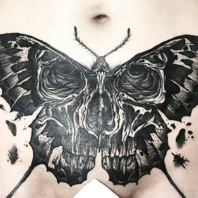 Tattoo by Lexyhavemind #lexyhavemind #deathmothtattoos #blackwork #listen #dotwork #linework #insect #skull #death #moth #wings #splatters #animal