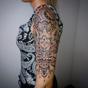 Follow me for more ink, mandala and henna patterns style, 😎 ✌️ Entre Lagos Tattoo & Art Gallery, interlaken centralstrasse42 WhatsApp :079 448 35 83 Facebook :jairo ramirez art Instagram :JAIRO_RAMIREZART Www.entrelagostattooartgallery.com Jairoramirezart@gmail.com #tattoooftheday