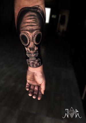 My Own Hand Gasmask piece,last season! . .بيشتر قسمتها healed شده،بالاش و جاهايي كه اين جلسه اضافه شده Freshe . . . #joeart_tattoo #artofdayingstudio #gasmasktattoo . . . . #Tattoos #Blackandgreytattoos #Darktattoos #Gasmask #Handtattoos #Inkedmag #ink #intenzeink #fusionink #inkjectatattoomachines