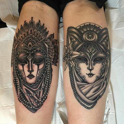 Tattoo by Lynn Akura #LynnAkura #neotraditional #masks #pearls #blackandgrey #portrait #lady #flower #floral #costume #filigree #jewelry #crown